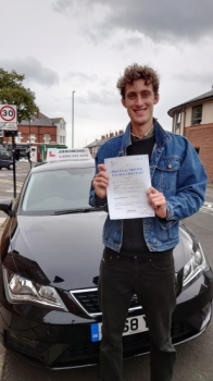A great drive from Ethan Penney today! He's just passed 1st time at Gosforth with our pass master, Rob Stephenson and only 4 minors! Well done Ethan 💪🏻