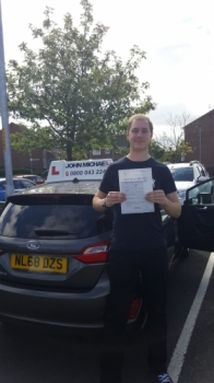 24/05/2019 Congratulations to Dan on passing his test today! On the FIRST ATTEMPT Great effort! Dan passed with our instructor Graham Scott. Call us and be next on 0800 043 2242...