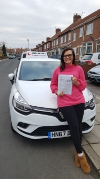 Amazing driving from Laura Bridges! She's just smashed her test with our instructor Rob Stephenson! Call us and be next! On 0800 043 2242...