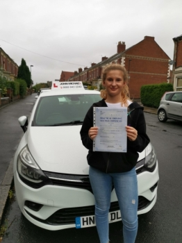 Great drive from Eleanor Teesdale today, she's just passed 1st time at Gosforth with her instructor Rob Stephenson and only 4 minors!...