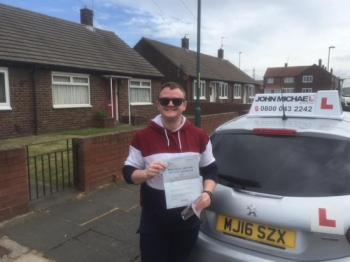 17/05/2019 Fantastic drive from Anthony who's just passed his test at the first attempt with our instructor Graham Spensley, Great drive, only 4minors!