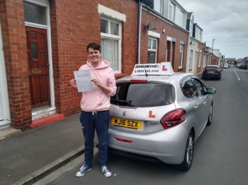 Brilliant drive for Zac Connolly today, passed his test in Sunderland with his instructor Graham Spensley, on his first attempt. Well done keep up the good work, stay safe.