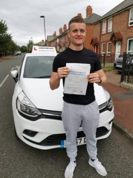 12/09/2019 Great drive from Connor Lamb! He's just passed first time 💪🏻 at Gosforth with his instructor Rob Stephenson!