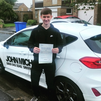 A Great drive from Daniel Wilson today!! He's just smashed 🥊🥊 his driving test at the FIRST ATTEMPT 😀with me!! And only 4 minors Well done Dan!