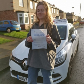 Amazing driving from Jade Irving today, She's just passed her driving test at the 1st attempt and only 2 minors with her instructor Rob Stephenson at #Blyth. Well done Jade!