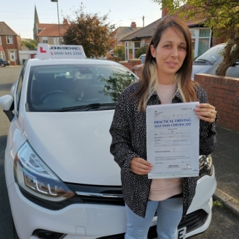 Great drive from Asha Haywood she's just passed at Blyth with only 4 minors 💪🏻 with her instructor Rob Stephenson!