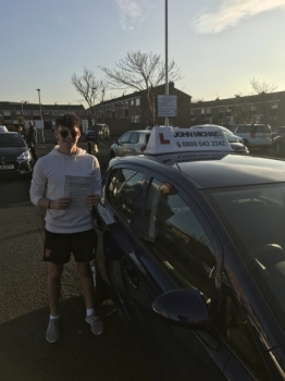 Another FIRST TIME PASS!! Well done Dan, passed today at Blyth with only 4 minor driving faults!...