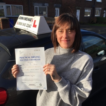 Fantastic pass for Vicky Massam today. Wow!! ANOTHER PASS!! Great drive Vicky! Well done 😃😃😃 Vicky passed with our instructor Gavin Hudd. Call us and be next on 0800 043 2242