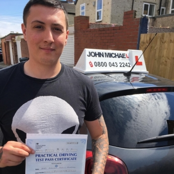Amazing driving from Mark Martin! He's just smashed his test with our instructor Gavin Hudd on the FIRST ATTEMPT! Well done!