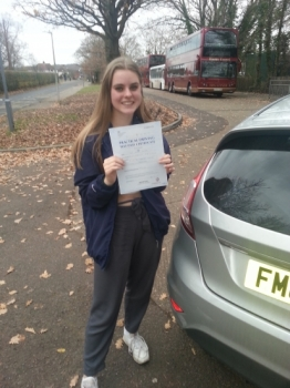 06 December 2017 - Lotte passed with only 2 minor driving faults! Well done Lotte, that was an excellent result....