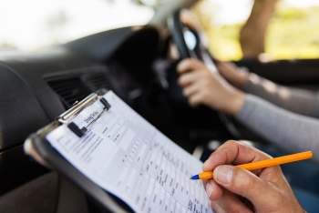 Pass your driving test with quality, specialist driving lesson from an experienced instructor