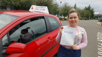 Karolina passed at her 1st attempt with 1week2pass at Enfield test centre