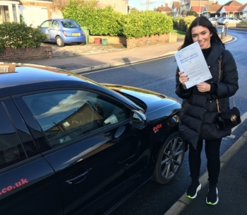 Simon always made me feel relaxed and comfortable. He helped me progress and built up my confidence with driving as I was very nervous to start with. I passed my test first time with only 1 minor fault thanks to Simon.