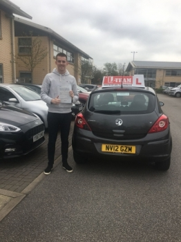 Congratulations to Scott passing his driving test with  L-Team driving school for the first time!! #passed#driving#learner🏆 #manchester#drivinglessons #help #learning #cars Call us know to get booked in on 0333 240 6430  PASS IN APRIL 2018...