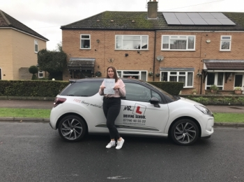 Congratulations to Georgia Trow from Newmarket who passed 1st time in Cambridge on the 28-9-17 after taking driving lessons with MRL Driving School