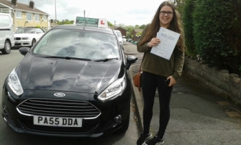 Hanna Morris absolutely thrilled to be holding her Pass Certificate after passing her driving test first time today.  It was an excellent, safe and confident driver with only one driver fault - so nearly a clean sheet! Hanna overcame those nerves taking on board Salvina´s advice to produce the result on the day! Congratulations and well done ...