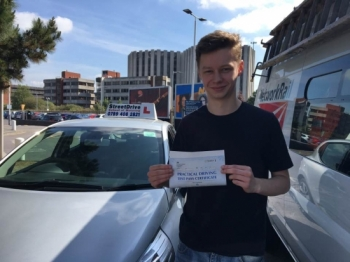 An excellent driving school couldn´t recommend enough to anymore wanting to learn to drive or brush up on their existing driving skills. 