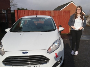 25/1/18 - Congratulations to Lucy Dyer on passing her driving test this morning with only 3 minor faults!!! Lovely result...